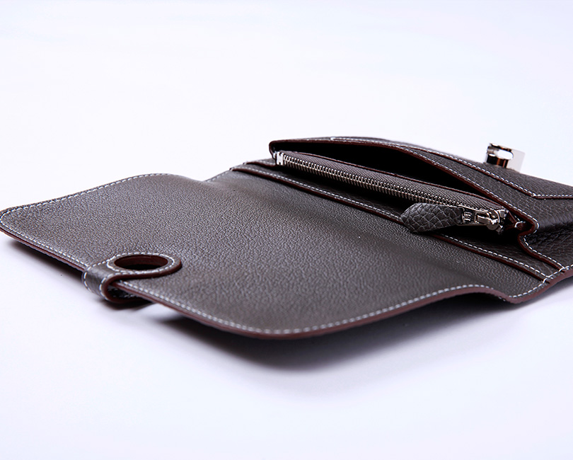 H togo leather wallet